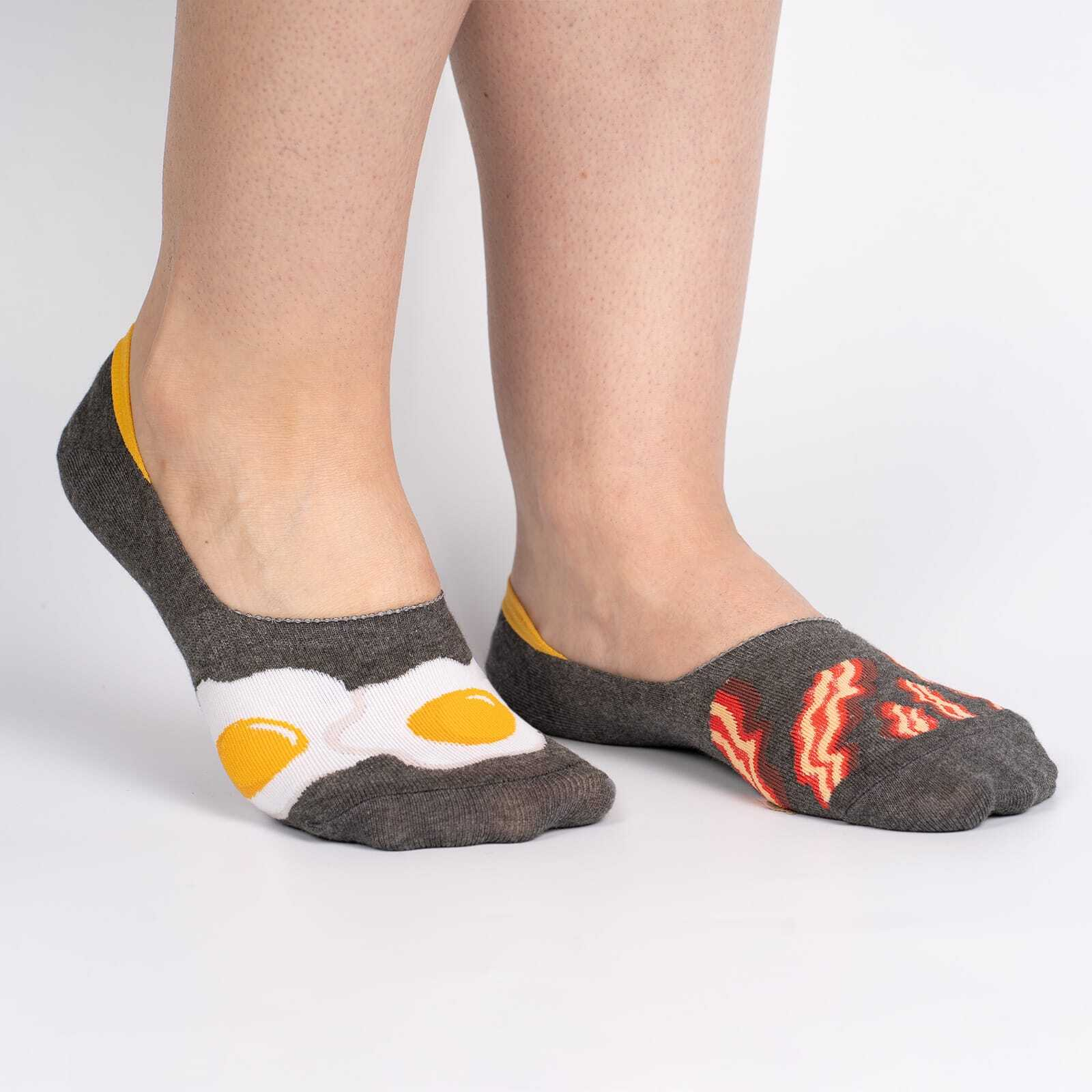 model wearing Bacon and Eggs Small - Breakfast Food No Show Socks Brown - Unisex