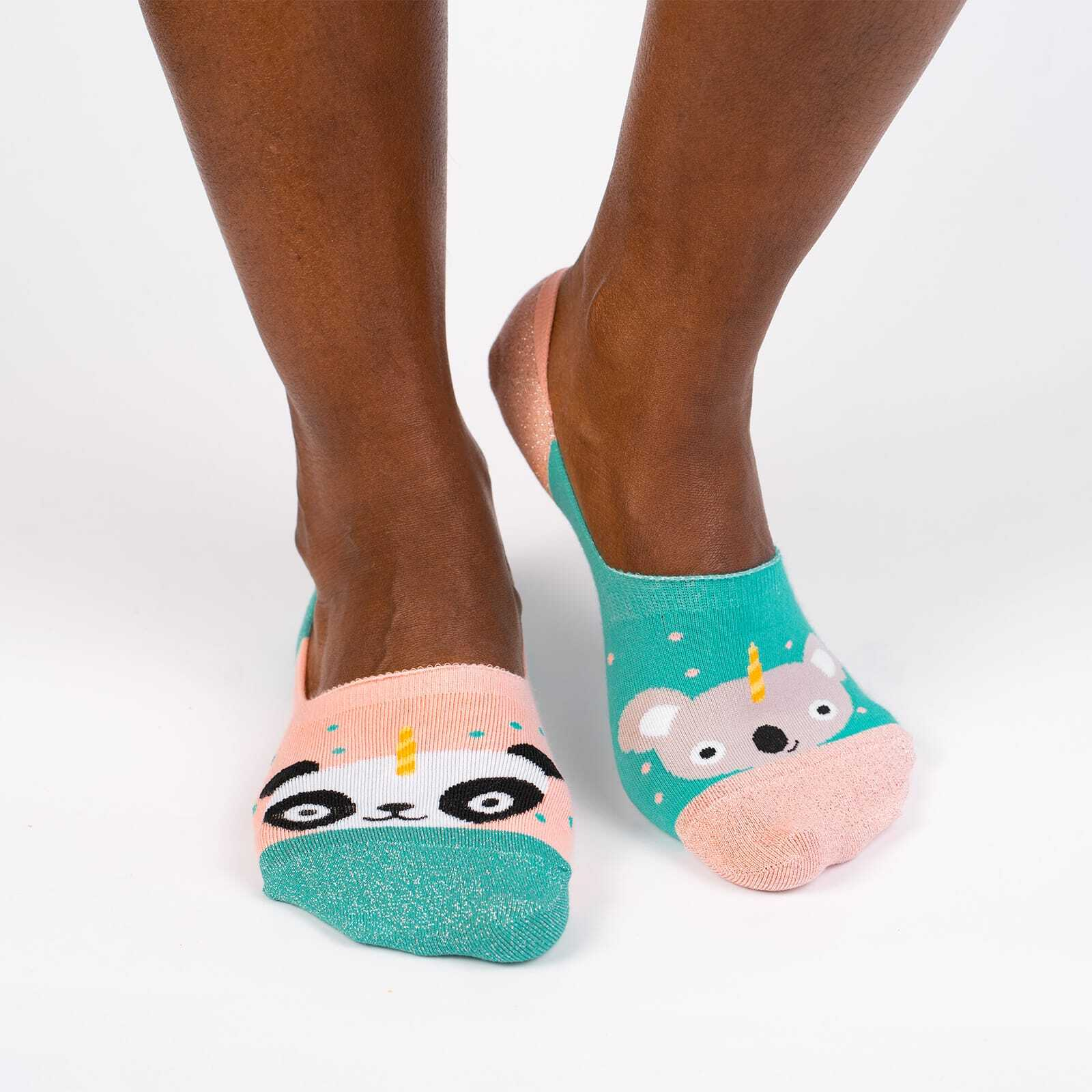 model wearing Beary Sweet Medium - Cute Animal No Show Socks Pink - Unisex