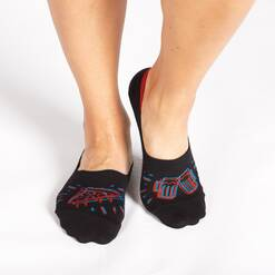 model wearing 3D Pizza Party No Show Socks Black, Blue, and Red - Unisex Large